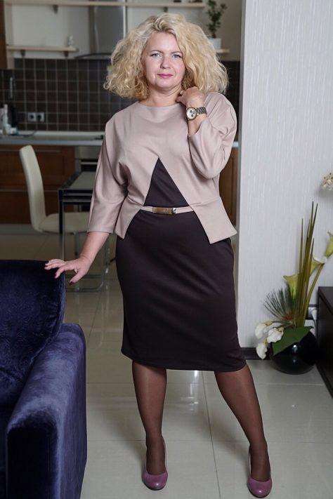 Контрастное платье  с баской