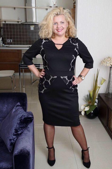 Платье облегающее с гипюром