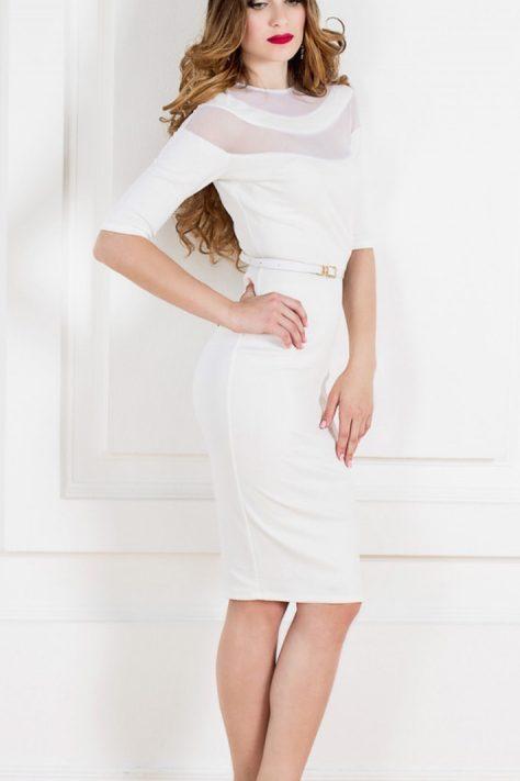 Нежное платье футляр