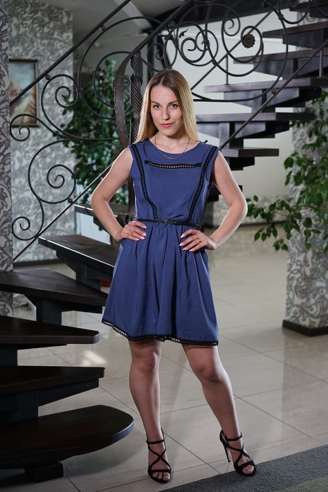 Платье с кружевными элементами